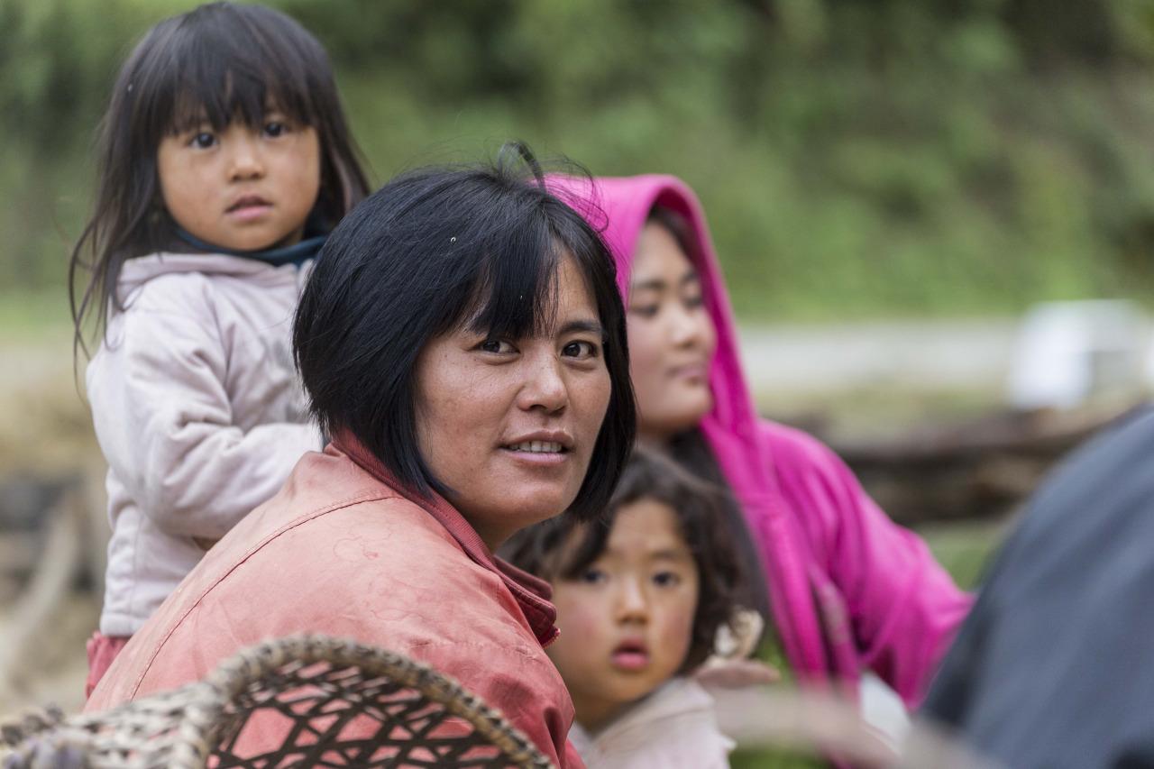 Making Bhutanese popcorn